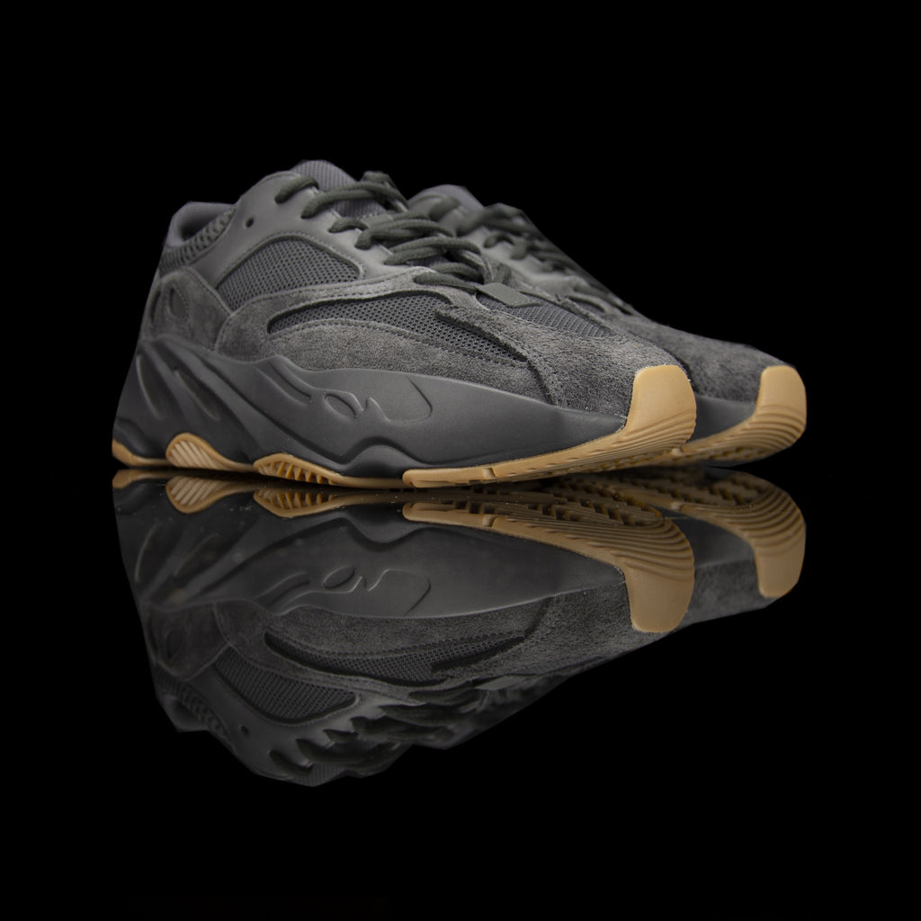 Adidas-Yeezy Boost 700-Product code: FV5304 Colour: Utility Black/Utility Black/Utility Black Year of release: 2019-fabriqe.com