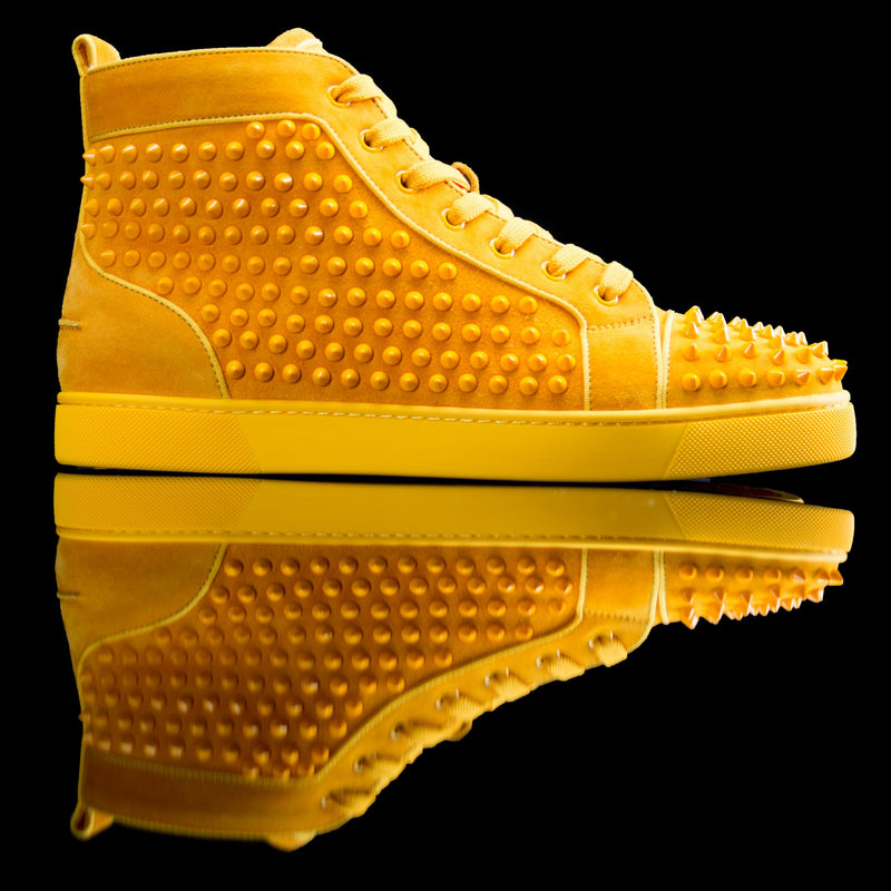 Christian Louboutin-Louis Flat High Spikes-Product Code: 3160092 Colour: Full Moon/Yellow Discontinued Material: Suede/Velour Rubber Sole Christian Louboutin Louis Flat Spikes Suede Yellow is on offer this season. Crafted in extroverted yellow and with signature red sole is sure to make an addition to your wardrobe. These deadstock sneakers are perfect for the classic fervent.-fabriqe.com