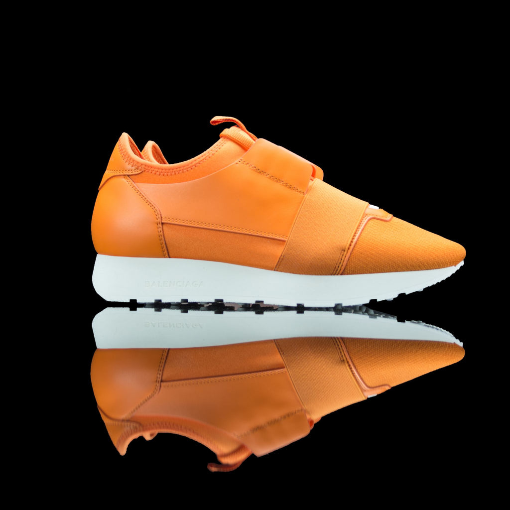 Balenciaga-Runner-Product Code: 468045 W05G1 7500 Colour: Orange White 2017 Release Material: Leather, Mesh Women Balenciaga Runners Leather Mesh Orange is a perfect way to give you an uptrend look. Designed in poppy orange leather mesh and set up on bouncy white sole. Balenciaga offers you a luxurious touch and elevates your style and comfort.-fabriqe.com