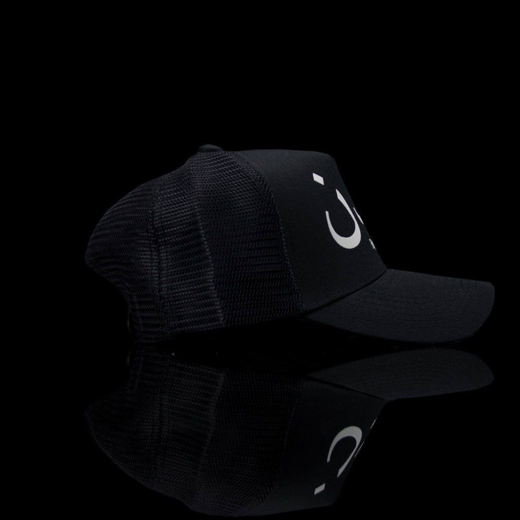 Sultan Est-Cap-London (Arabic) One Size Fits All Black White-fabriqe.com