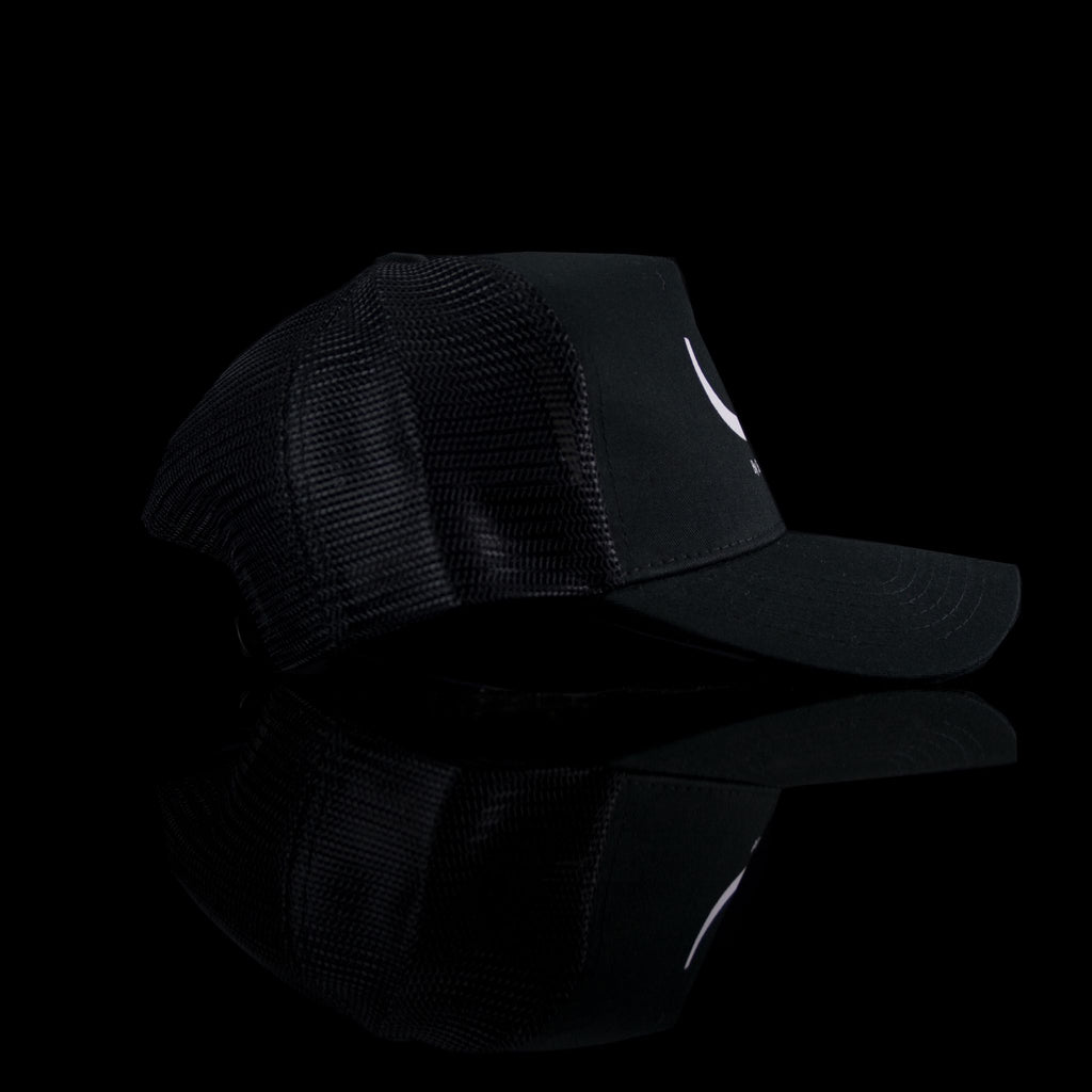 Sultan Est-Cap-Y (Arabic) One Size Fits All Black White-fabriqe.com