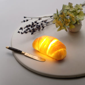 [Pre-order]Tiny Roll Bread Lamp (Battery Powered LED Light)