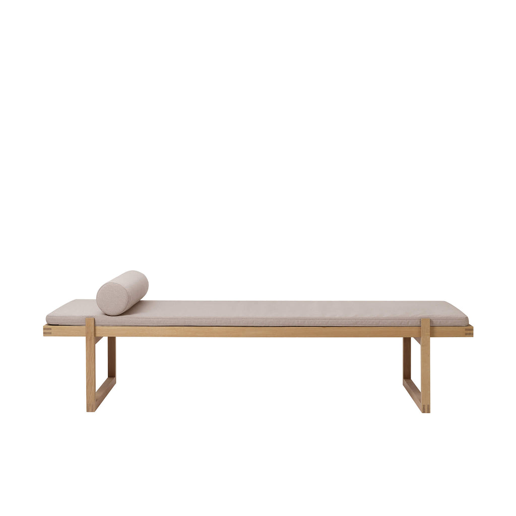 Minimal Daybed