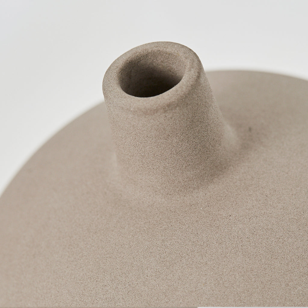 Details of small terracotta vase with grey engobe from Kristina Dam