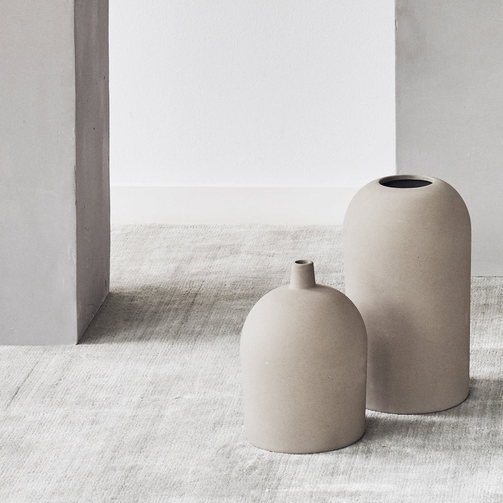 Small and medium Dome terracotta vases from Kristina Dam studio