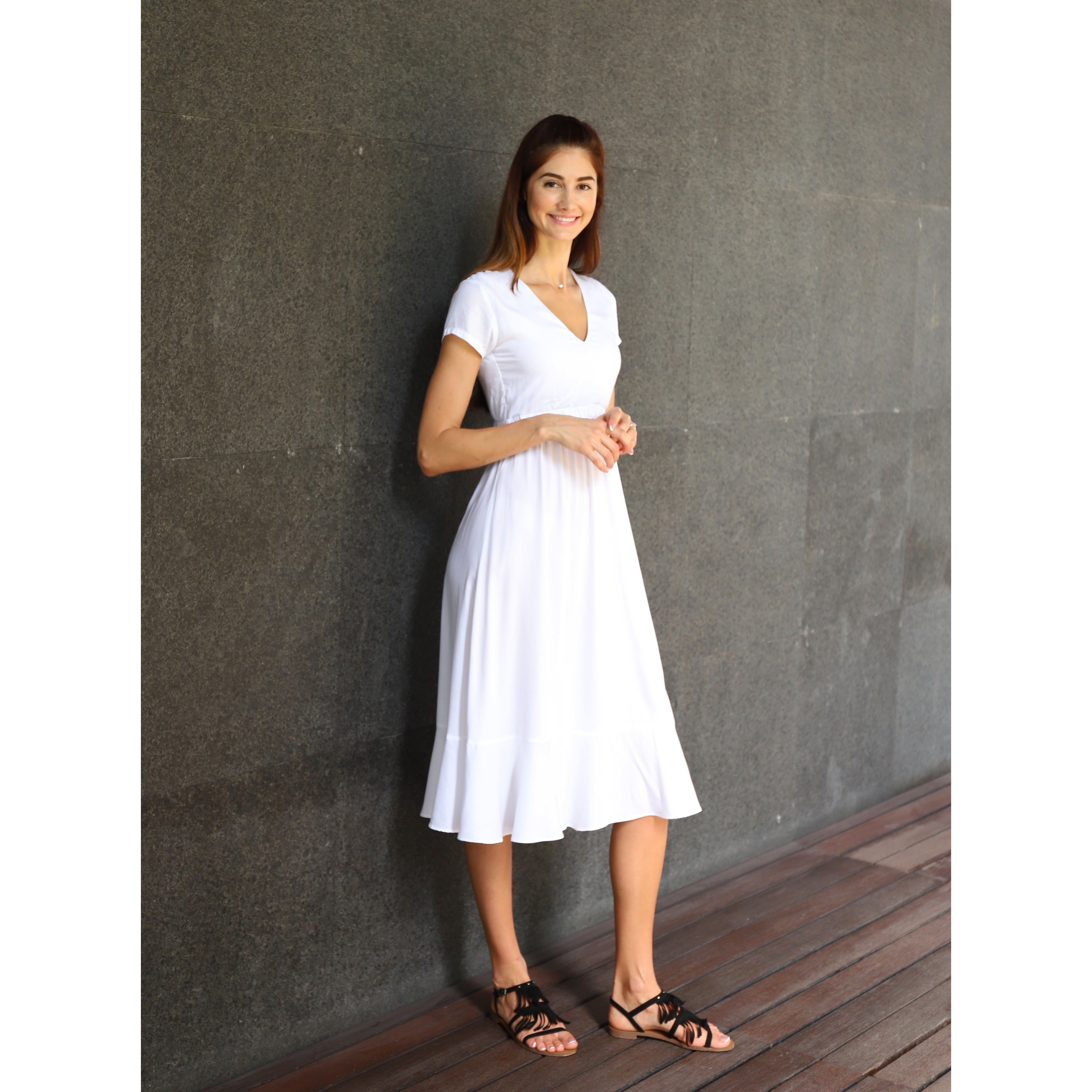 WHITE A-LINE SUMMER DRESS WITH BOW AT THE BACK