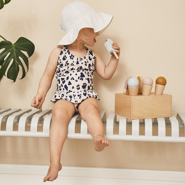 amelia sun hat - little dot creme de la creme