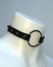black o-ring choker with silver star studs, handmade by sudosci