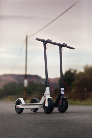 SB Bluetooth Enabled 250w Smart E-Scooter.