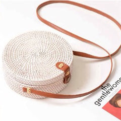 White Rattan Cross-Body Leather Strap Purse | Cartera Blanca de Rattan con Mango de Cuero