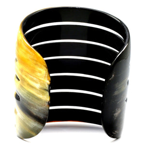 Lightweight Polished Horn Thick and Long 7 Carved Lines Cuff | Pulsera de Cuerno Grande con 7 Lineas Talladas