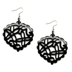 Lightweight Polished Horn Flowers Cutout Earrings | Pantallas de Cuerno con Flowers Talladas