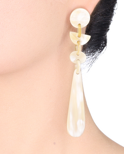 Lightweight Horn Mixed Shapes Large Post Earrings | Pantalla de Poste en Cuerno