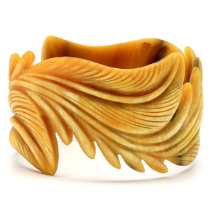 Lightweight Light Color Leaf Carved Horn Bangle Bracelet | Pulsera con Hoja Tallada en Cuerno