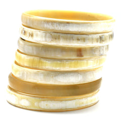 Lightweight Light Color Medium Thickness Polished Horn Bangle | Pulsera de Cuerno