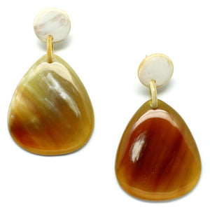 Lightweight Horn Organic Shape Earrings | Pantalla de Poste
