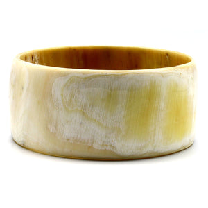 Light Color Wide Polished Horn Bangle | Pulsera de Cuerno