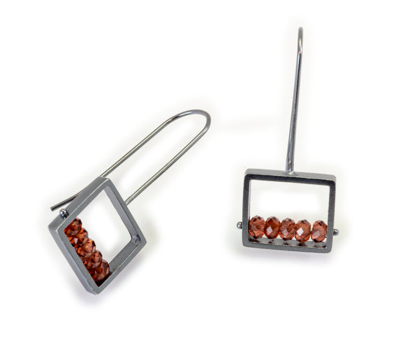 Square Frame Earring with Garnet