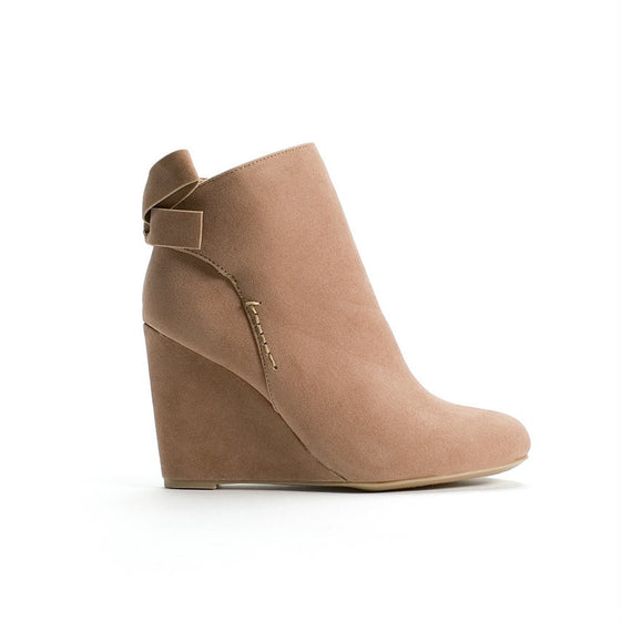 Silhouette Wedge Booties (Camel)