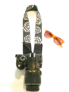 Elle - Camera Strap / Black, gray and White flowers