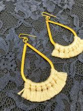 Load image into Gallery viewer, Cream Fringe Earrings