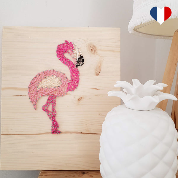 string art flamant rose