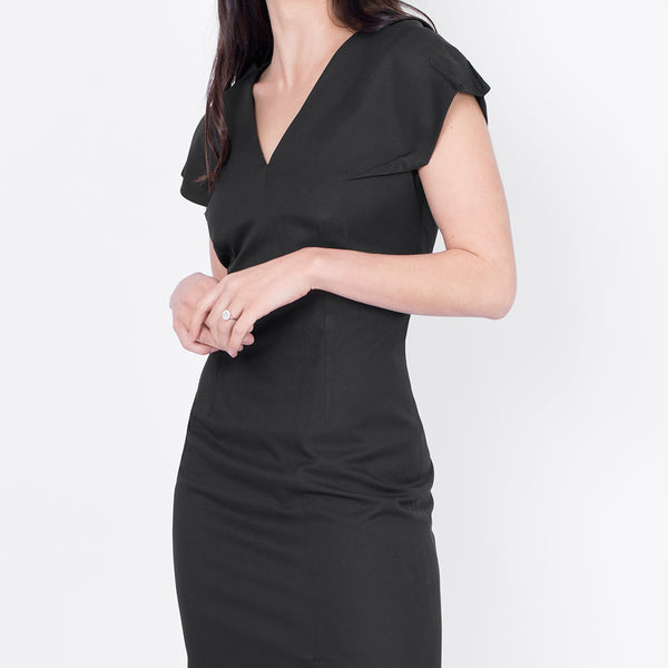 V-neck sleeveless dress, Black