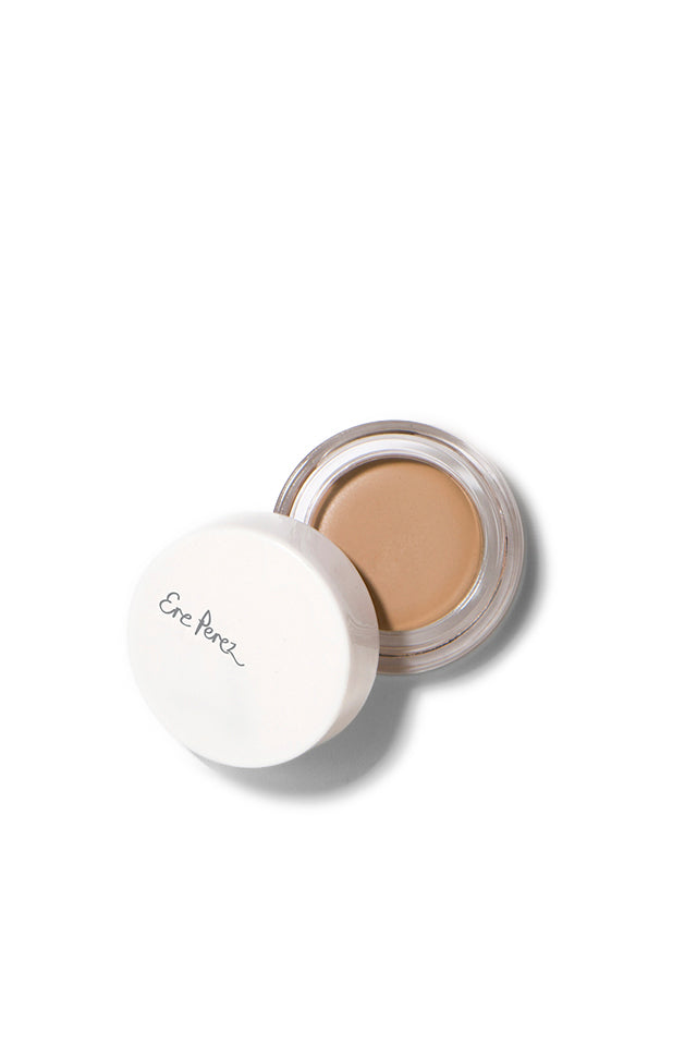 Ere Perez Arnica Concealer pot in Honey.