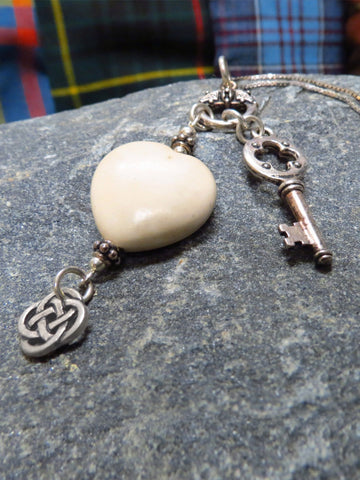 Hearts of Ireland Pendant - Cream / Ulster
