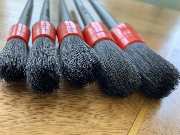 detailing brushes made with a blend of synthetic and natural boars hair
