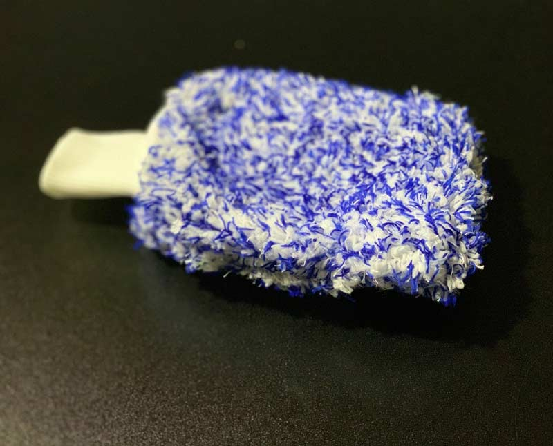 Plush Car Wash Mitt in Blue
