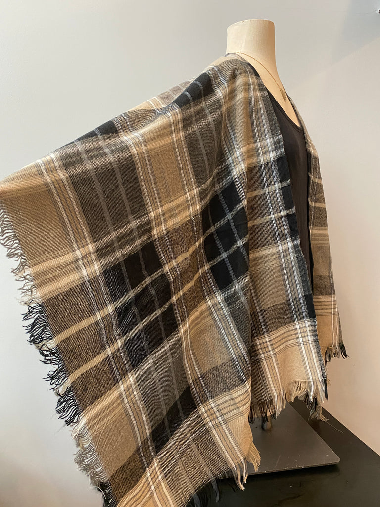 Isa Plaid Ruana