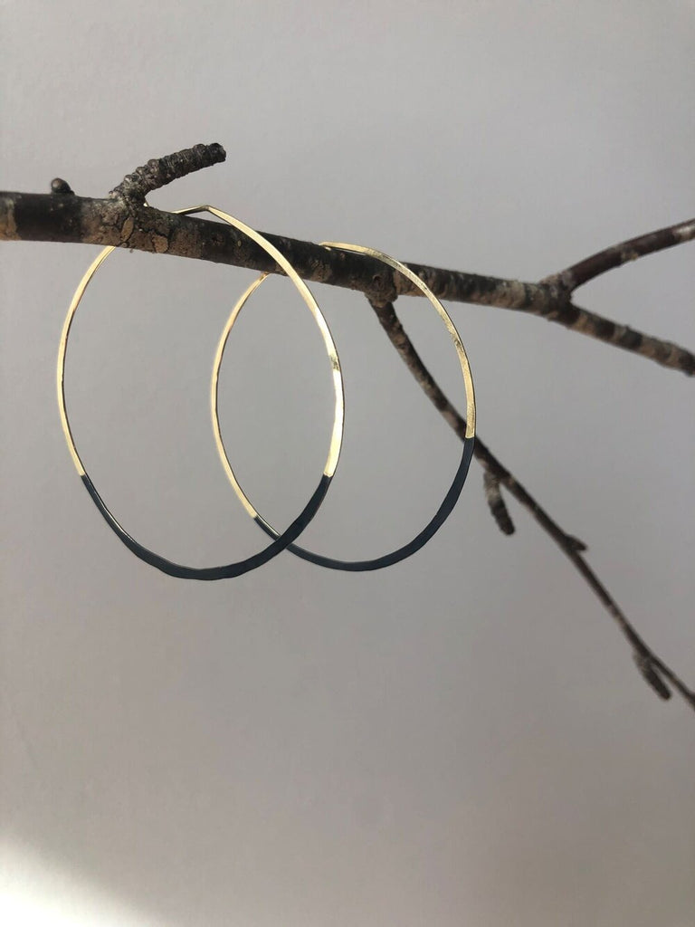 Mired Metal Circle earring