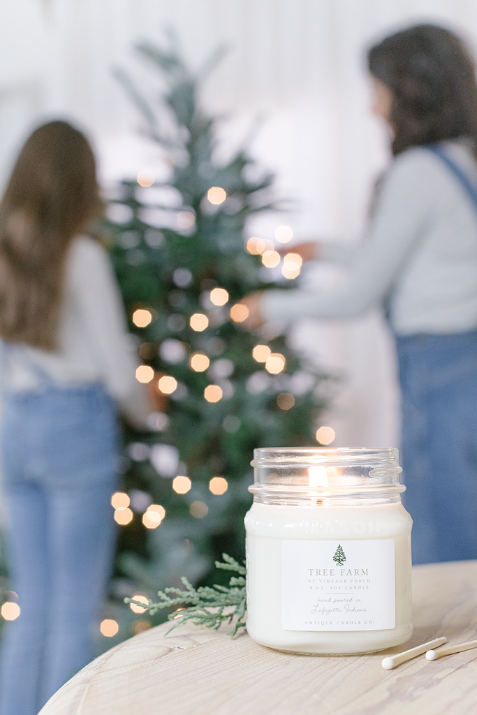 Tree Farm smells like... Tree Farm by Vintage Porch is a nostalgic scent of crisp, freshly trimmed evergreen and Fraser fir pines, wrapped in delicate notes of winter cedarwood.