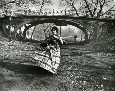 Photo credit: Bill Cunningham. Image courtesy New-York Historical Society. Central Park Bridge