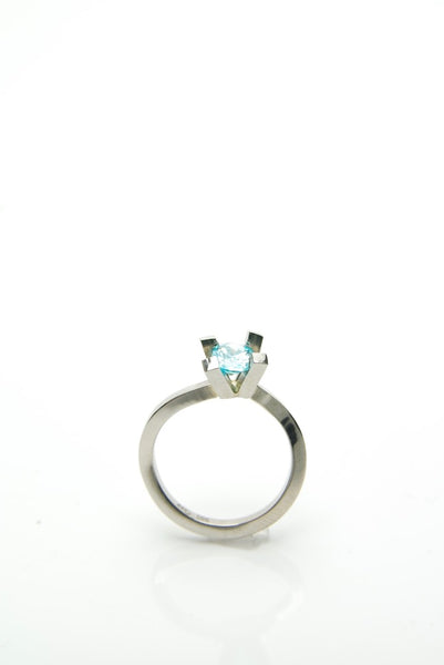 White Gold & Topaz Ring