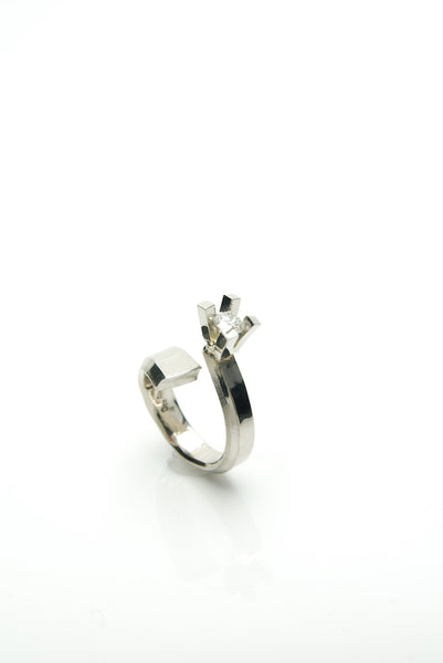 Diamond & White gold Ring