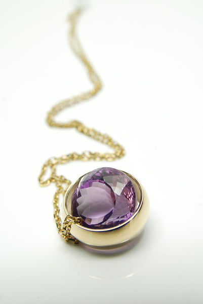 Laus Gold and Amethyst pendant