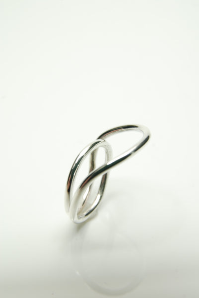 Minimal Wreathe Ring by Orr
