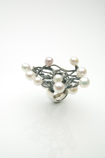 Perla Nest Ring