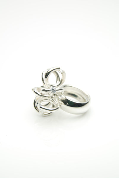 Hlekkir handmade silver ring with white zirconia by Orr