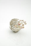 Fingur Silver Ring by Orr made of silver and pearls