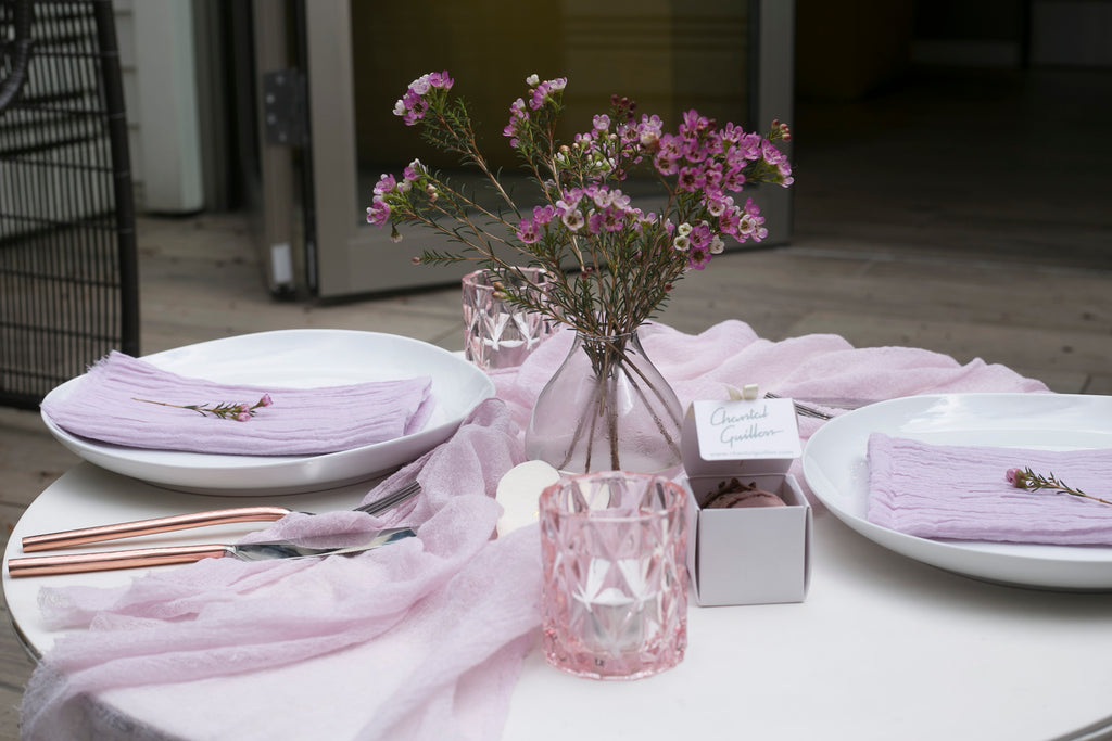 How to Set the Ultimate Valentine's Day Table