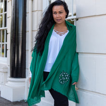 Load image into Gallery viewer, black panther merino wool shawl jade green
