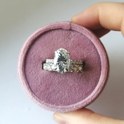 Designing a custom moissanite engagement ring. Here's some pro-tips.