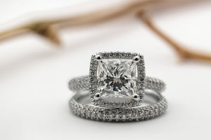 Your Guide to Choosing a White Gold Moissanite Engagement Ring