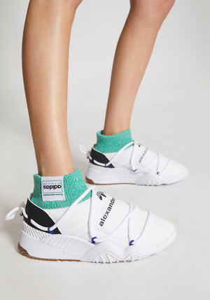 Puff Trainer White