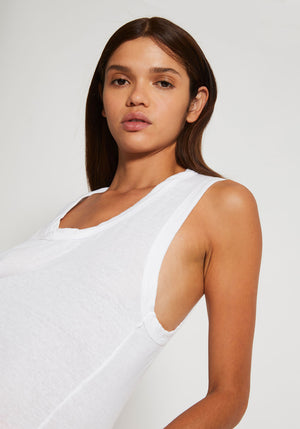 Detailed T-Back Tank White - Tuchuzy
