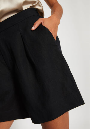 Huntington Crisp Linen Shorts Black