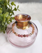 Load image into Gallery viewer, Strawberry Quartz and Peach Moonstone bracelet